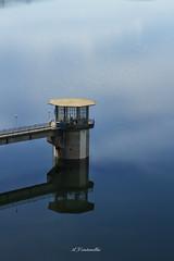 08 -  two towers (A_Veintemillas) Tags: two color water agua day towers dia days cielo 365 da dias presa das