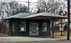 954 Barret Ave. (robgividenonyx) Tags: kentucky louisville servicestation standardoil