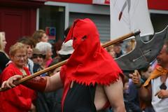 IMG_7456 (leroux.maximilien62) Tags: france medieval axe hood hache normandie henker axt calvados bayeux cagoule executioner bourreau médiévales fêtesmédiévales