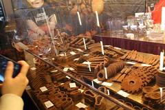 Alat od cokolade (Coka M) Tags: paris disk chocolat alat cokolada katanac