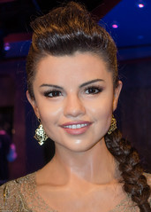 Selena Gomez (S000121) (Thomas Becker) Tags: unicef madame tussaud celebrity marie work geotagged losangeles raw museu puppet sony iii statues muse hollywood figure singer actress celebrities wax museo celebs hollywoodblvd walkoffame celeb figuras selena gomez muzeum figur cera tussauds puppe madametussauds lookalike waxwork madametussaud waxworks cire mme wachs sngerin schauspielerin promi panoptikum cere mmetussauds musedecire wachsfigur wachsfiguren museodecera mmetussaud wachsfigurenkabinett museudecera museodellecere muziejus aviationphoto vaxmuseum 160131 gabinetfigurwoskowych woskowe vakofigrmuziejus vako 220792 dscrx100 geo:lat=341018330 geo:lon=1183415310