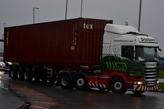Stobart H2033 PO64 VOB Joslyne Levite at Widnes 6/2/16 (CraigPatrick24) Tags: road truck cab transport container lorry delivery vehicle trailer scania logistics widnes stobart eddiestobart skeletaltrailer stobartgroup h2033 scaniar450 po64vob joslynelevite