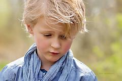 sadness (kim groenendal) Tags: boy portrait color nature canon child sad outdoor colorfull kinderen jongen childphotography kinderfotografie kimgroenendal