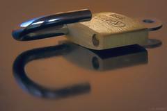 """P""adlock (SchaeferNRW) Tags: shadow macro metal glow makro schloss padlock macromondays schaefernrw beginswiththeletterp"