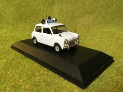 Atlas Editors - Best of British Police Cars - Austin Mini - Royal Ulster Constabulary - Northern Ireland- 1/43 Scale - Miniature Die Cast Metal Scale Model Emergency Services Vehicle (firehouse.ie) Tags: ireland austin cops royal police mini shades policecar morris northern polizei troubles policia ulster polis ruc polizia peelers constabulary psni nornireland