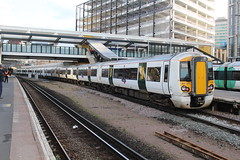 387103 (matty10120) Tags: station train transport rail railway class east express croydon gatwick 387 thameslink