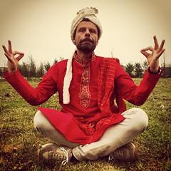 Namastee (pepe50) Tags: carnival friends party italy grass yoga funny italia mask indian concordia bollywood leisure amici prato pijama kurta pigiama bollywoodparty cenaindiana pepe50 smarritors