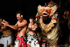 La danse du Barong dance.....Bali (geolis06) Tags: bali asia olympus asie ubud omd masque barong barongdance indonsia 2015 indonsie balinesemask balineseceremony dansebarong crmoniebali olympusomdem5 olympusm1240mmf28 geolis06 masquebali