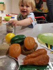 Playing in the Habitot cafe (quinn.anya) Tags: toddler sam can habitot playfood