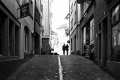 never been here (gato-gato-gato) Tags: street leica bw white black classic film blanco monochrome analog 35mm person schweiz switzerland flickr noir suisse strasse negro streetphotography pedestrian rangefinder human streetphoto manual monochrom zrich svizzera weiss zuerich blanc m6 manualfocus analogphotography schwarz ch wetzlar onthestreets passant mensch sviss leicam6 zwitserland isvire zurigo filmphotography streetphotographer homedeveloped fussgnger manualmode zueri strase filmisnotdead streetpic messsucher manuellerfokus gatogatogato fusgnger leicasummiluxm35mmf14 gatogatogatoch wwwgatogatogatoch streettogs believeinfilm tobiasgaulkech