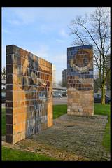 utrecht kunstwerk zonder titel - zorgcentrum koningsbruggen 04 1972 op de laak h (beneluxln) (Klaas5) Tags: sculpture holland art netherlands dutch artwork mural outdoor mosaic kunst sculptuur publicart paysbas niederlande kunstwerk 20thcenturyart picturebyklaasvermaas