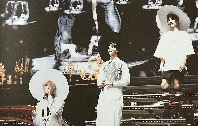 160421 SHINee @ Photobook SHINee World Concert IV 26431746440_62e7d56273_z