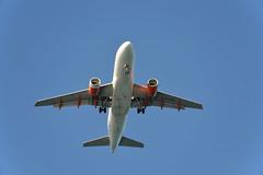 easyJet Airbus A319-111 G-EZIX (mcaero/LTBY) Tags: airplane switzerland geneva swiss aircraft aviation transport airline airbus easyjet genf a319 gezix