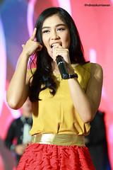 IMG_4278 (Andreas Kurniawan) Tags: music beautiful female canon mall indonesia fun sweet live stage tata chibi group performance idol vocal redita cherrybelle canon6d twibi twiboys