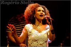 Mariene de Castro (Rogerio Stella) Tags: show stella music color colour portraits de banda photography photo concert nikon samba photographer tour song retrato live stage gig performance band bands castro rogerio portraiture sing idol singer mpb fotografia documentation venue msica nacional cor canto palco vocal fotojornalismo dolo cantora lindeza apresentao 2015 mariene documentao documentarist