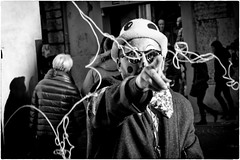 Hey you! (Carnival) (Roberto Spagnoli) Tags: carnival blackandwhite mask streetphotography confetti verona carnevale biancoenero maschera coriandoli fotografiadistrada