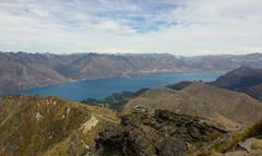 (Ubaan) Tags: newzealand mountain lake nature clouds track nz queenstown benlomond randonne pvt whv nouvellezlande frogstrotters ubaan
