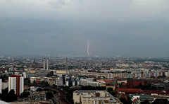 Gewitter-Blitzeinschlag-Berlin (andreastrojak) Tags: berlin blitz gewitter unwetter blitze geblitzt blitzeinschlag einschlag