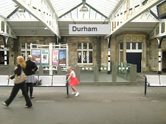 "DURHAM "" still "" (hakzelf) Tags: ballet advertising platform off dhm eastcoast perronkap stationseats platformseats bahnhofsnamen stationsreclame"