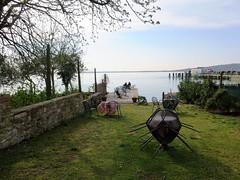 giardino vista lago (givanna) Tags: lago pace acqua umbria celeste silenzio lagotrasimeno tranquillit isolamaggiore
