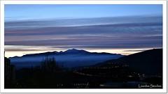 Amanecer desde mi ventana (Lourdes S.C.) Tags: espaa contraluz andaluca paisaje amanecer cielo nubes jan montaas provinciadejan