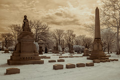 Graceland Cemetery (Adventures in Infrared) (Torsten Reimer) Tags: friedhof usa chicago cemetery graveyard us illinois unitedstates unitedstatesofamerica infrared northamerica gracelandcemetery infrarot olympusepl5
