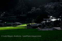 Andorra rural: La Massana, Vall nord, Andorra (lutzmeyer) Tags: pictures primavera rural sunrise photography spring europe dorf village photos pics pueblo abril images fotos valley april below baixa sonnenaufgang unten andorra bilder imagen pyrenees tal springtime iberia frhling pirineos pirineus iberianpeninsula parroquia landleben pyrenen imatges rurallife poble frhjahr vallnord ortsteil iberischehalbinsel sortidadelsol escas lamassanavallnord canoneos5dmarkiii livingrural lndlichesleben lamassanaparroquia lutzmeyer lutzlutzmeyercom parroquialamassana