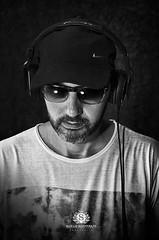 ENSAIO DIVULGAO DJ PAULO COSTA (Sarah Mantovani) Tags: ensaio dj preto fone msica fundo estdio divulgao