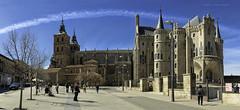 Len.Palacio Episcopal de Astorga (ramon.vmorales) Tags: espaa spain arquitectura palace panoramic cielo gaud len arco episcopal palacio d800 astorga panormica neogtico contrafuerte modenista