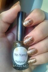 DESAFIO ABC - Y (Bah Teles) Tags: blackandwhite gold dourado yinyang gliter penelopeluz