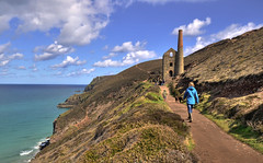 The coast path at Chapel Porth, Cornwall (Baz Richardson) Tags: coast cornwall cliffs nationaltrust tinmines chapelporth towanroath whealcoates