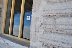 Construcciones de sal (Heimlich el sudaca patagnico) Tags: reflection window ventana fenster salt bolivia reflejo spiegelung sal heimlich salz salardeuyuni