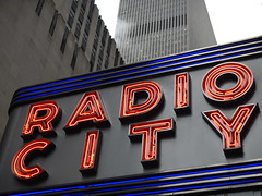 City sign, steam and skyscraper (C_Oliver) Tags: usa newyork building sign architecture america skyscraper marquee neon manhattan steam neonsign radiocitymusichall radiocity 6thavenue billow avenueoftheamericas 50thstreet 12516thavenue exxonbuilding 1251avenueoftheamericas