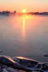 Talvinen auringonlasku (Henri Koskinen) Tags: helsinki talvi meri maisema auringonlasku uutela skatanniemi 07012016