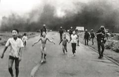 """Ho Chi Minh Ville: la plus célèbre des photos de cette guerre, """"the napalm girl"""". <a style=""""margin-left:10px; font-size:0.8em;"""" href=""""http://www.flickr.com/photos/127723101@N04/24373180320/"""" target=""""_blank"""">@flickr</a>"""