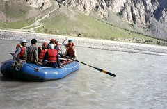 River rafting on the Bhaga River in Lahaul.  @hptdc #incredibleindia #India #Himachal #Lahaul #countryside #rural #nature #photooftheday #picoftheday #Bhaga #River #rafting #adventure #Himalaya #TransHimalaya (Anil.Yadav1) Tags: india nature rural river countryside adventure rafting himalaya himachal photooftheday picoftheday incredibleindia lahaul transhimalaya bhaga