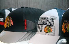 Blackhawk Hats (Cragin Spring) Tags: city urban usa chicago nhl illinois midwest downtown unitedstates unitedstatesofamerica hats il blackhawks ballcap chicagoillinois chicagoil windycity chicagoblackhawks
