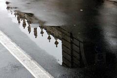 frammenti di Torino (vito.nobile) Tags: street city sky italy water lamp canon torino reflex italia streetphotography cielo acqua turin riflessi lampione citt marciapiede pozzanghera