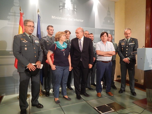 El ministro del Interior, Jorge Fernández Díaz, recibe a los padres de Eva Blanco y al equipo de la Guardia Civil que ha investigado el asesinato de la joven