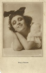 Pola Negri (Truus, Bob & Jan too!) Tags: 1920s cinema film sepia vintage germany movie deutschland star silent postcard polish screen german actress moviestar movies 1910s npg pola deutsch binder negri filmstar stummfilm schauspielerin attrice actrice muto polanegri muet darstellerin