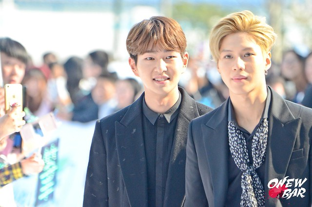 160328 Onew @ '23rd East Billboard Music Awards' 26095429761_e42a979623_z