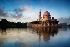 Putra mosque (Krunja) Tags: city morning travel sunset red sky lake reflection building tourism nature water beautiful architecture modern sunrise river landscape asian evening worship asia view dusk minaret muslim islam famous religion pray culture landmark scene mosque structure malaysia dome kuala putrajaya masjid lumpur allah islamic putra wilayah my wilayahpersekutuanputrajaya