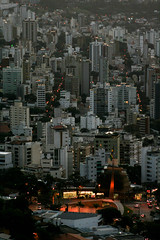 Belo Horizonte (Johnny Photofucker) Tags: city cidade urban arquitetura bandeira architecture flag ciudad urbano belohorizonte prdio architettura anoitecer prdios bh citt lightroom bandiera urbanidade praadabandeira