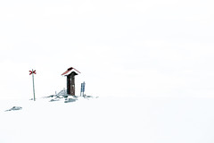 pathfinder - Vemdalen - Sweden (in explore) (fotofredrica) Tags: winter vacation white snow ski sweden background awesome downhill whitebackground minimalism wintertime slalom lessismore vemdalen outddor