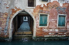 20160124-DSC04728 (yabankazi) Tags: road street travel venice sea sky people italy holiday water architecture night zeiss river landscape boat canal san italia waterfront mask outdoor f14 sony voigtlander indoor vehicle marco gondola streetphoto alta asa 40mm murano carnevale venezia nokton rialto burano sanmarco watercourse 2470 a7ii a7mk2 sonya7mk2 acqua