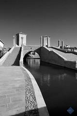 comacchio tre ponti (1) (mauriziofantinelli) Tags: del strada mare delta po ferrara fotografia anguilla pesca spiaggia lidi vacanze romea divertimento comacchio valli ponti canali ferraresi paludi fantinelli