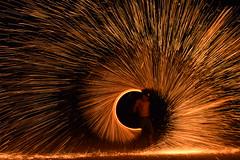 Pyrotechnie balnaire (bonnaudthomas) Tags: light night fire lumire sparks nuit feu tincelles