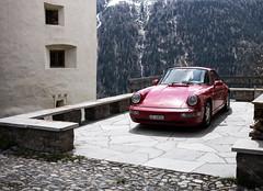 dem Schellen-Ursli sein kleiner roter Porsche (Guarda/GR) (Toni_V) Tags: leica red alps schweiz switzerland europe suisse 911 rangefinder porsche mp alpen svizzera sportscar guarda 2016 graubnden grisons svizra summiluxm leicam unterengadin grischun 35mmf14asph engiadinabassa digitalrangefinder niksoftware 35lux messsucher schellenursli 160430 colorefexpro4 35mmf14asphfle type240 typ240 toniv m2404532