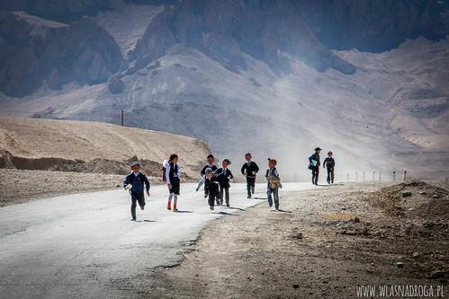 Dzieci w Pamirze