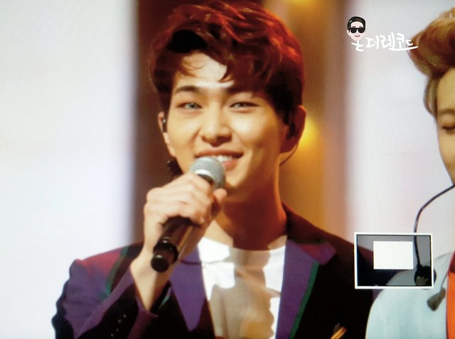 160121 Onew @ Golden Disc Awards 24543343065_6050acce71_z